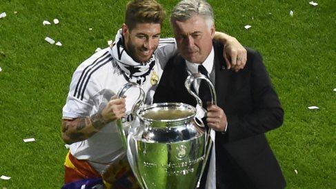 Ramos y Ancelotti con la Décima. (AFP)