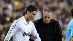 José Mourinho y Cristiano Ronaldo, durante un partido del Real Madrid (AFP).