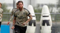 Sergio Ramos, en un entrenamiento con el Real Madrid. (realmadrid.com)