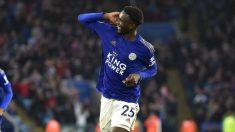 Wilfred Ndidi celebra un gol con el Leicester. (Getty)