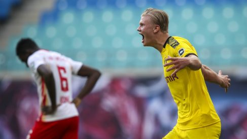 Erling Haaland celebra uno de sus goles con el Borussia de Dortmund. (AFP)