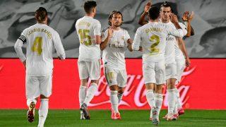 Los jugadores del Real Madrid celebran el gol de Vinicius. (AFP)