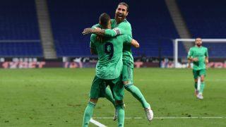 Ramos celebra con Benzema el gol del Real Madrid. (EFE)