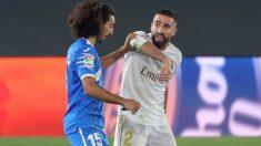 Carvajal y Cucurella durante un partido. (EFE)