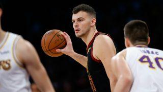 Ante Zizic, en un partido en la NBA. (Getty)