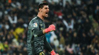 Courtois celebra una parada en el Bernabéu. (Getty)