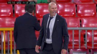 Zidane, celebrando el triunfo en Granada.