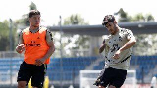 Jovic, durante un entrenamiento con el Real Madrid. (Realmadrid.com)