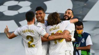 Los jugadores del Real Madrid celebran el 1-0 de Benzema. (AFP)