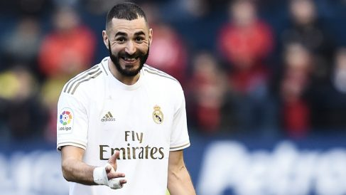 Karim Benzema celebra un gol con el Real Madrid. (Getty)