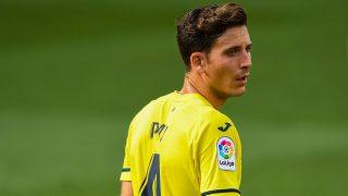 Pau Torres, durante un partido esta temporada con el Villarreal. (Getty)