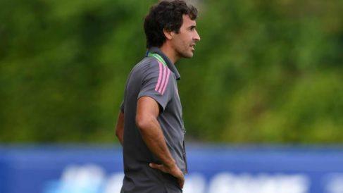 Raúl, durante un partido con el Real Madrid. (Realmadrid.com)