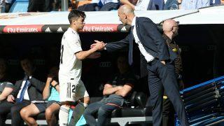 Brahim saluda a Zidane tras un partido del Real Madrid. (Getty)