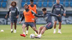 Isco y Asensio en la sesión de entrenamiento de este lunes en Valdebebas. (Real Madrid)