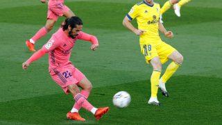 Isco, durante un partido ante el Cádiz. (AFP)