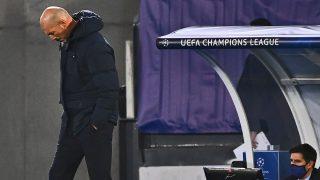 Zidane, cabizbajo tras el primer partido en Champions. (AFP)