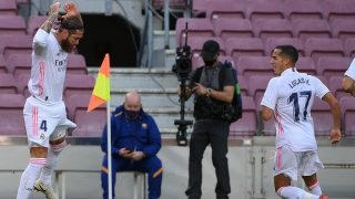 Sergio Ramos y Lucas Vázquez celebran un gol. (AFP)