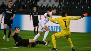 Hazard falla una ocasión de gol. (AFP)