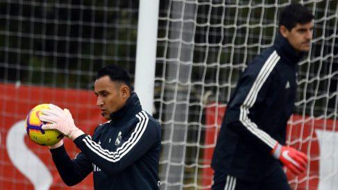 Navas y Courtois durante su etapa en el Real Madrid. (AFP)