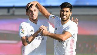 Valverde celebra un gol con Asensio. (Getty)