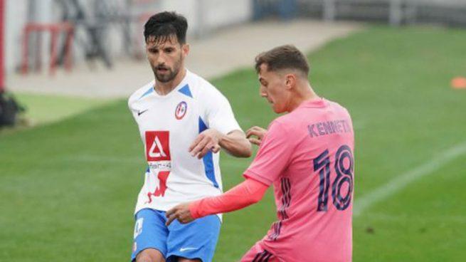 Un golazo y el árbitro dejan en blanco al Castilla en Majadahonda