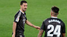 Hazard, durante un partido ante el Villarreal. (AFP)