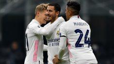 Hazard celebra un gol con Ödegaard y Mariano. (Getty)