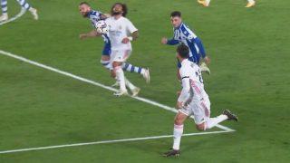 Laguardia tira del pelo a Marcelo.