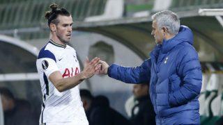 Bale y Mourinho, en un partido del Tottenham. (Getty)