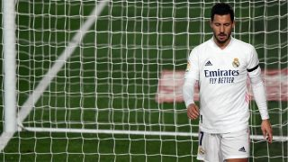 Hazard se retira lesionado en el Real Madrid-Alavés. (AFP)