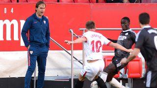 Lopetegui, durante el Sevilla – Real Madrid (AFP)