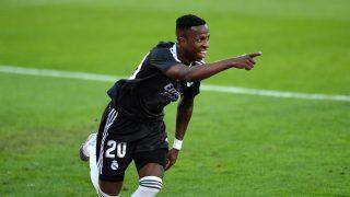 Vinicius celebra el gol ante el Sevilla (AFP).
