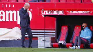 Zidane se dirige a Bettoni. (Getty)