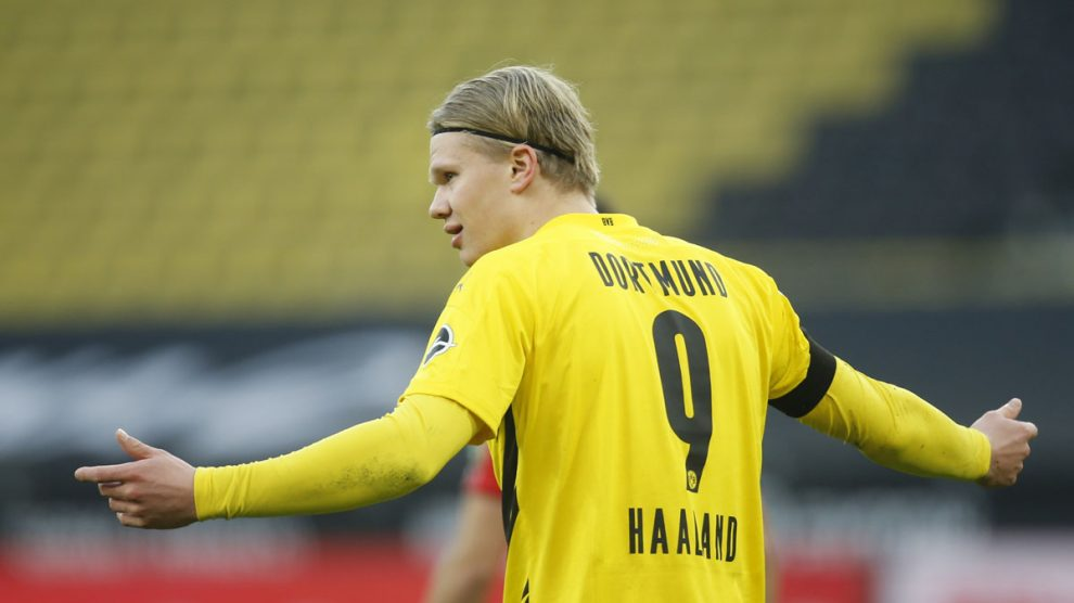 Erling Haaland, en una partido con la camiseta del Borussia Dortmund. (AFP)