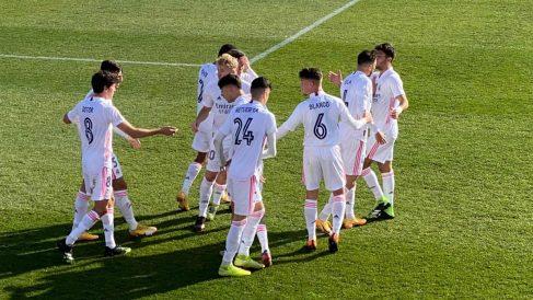 El Castilla celebra un gol.