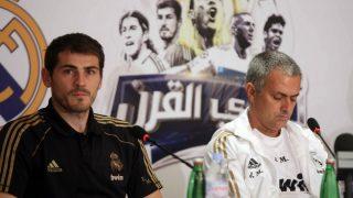 Casillas y Mourinho durante una rueda de prensa en su etapa en el Real Madrid.