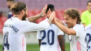 Ramos y Modric celebran un gol del Real Madrid (AFP).