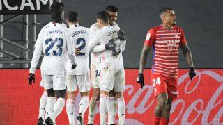 Los jugadores del Madrid celebran el tanto de Casemiro. (AFP)