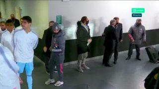Sergio Ramos y Florentino, en el túnel de vestuarios.