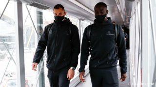Benzema y Mendy durante un viaje del Real Madrid. (Realmadrid.com)