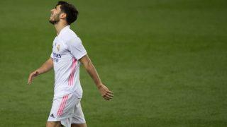Asensio se lamenta durante el partido. (AFP)