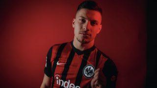 Jovic, con la camiseta del Eintracht.