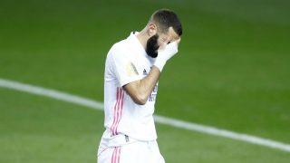 Karim Benzema se lamenta en el partido contra e Athletic. (Getty)