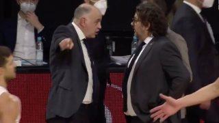 Pablo Laso y Trinchieri tuvieron una discusión tras el partido. (Captura de pantalla)