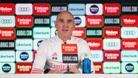 Bettoni, durante una rueda de prensa. (Realmadrid.com)