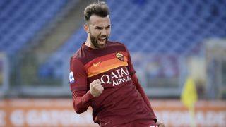 Mayoral celebra su gol tras marcar con la Roma (AFP)