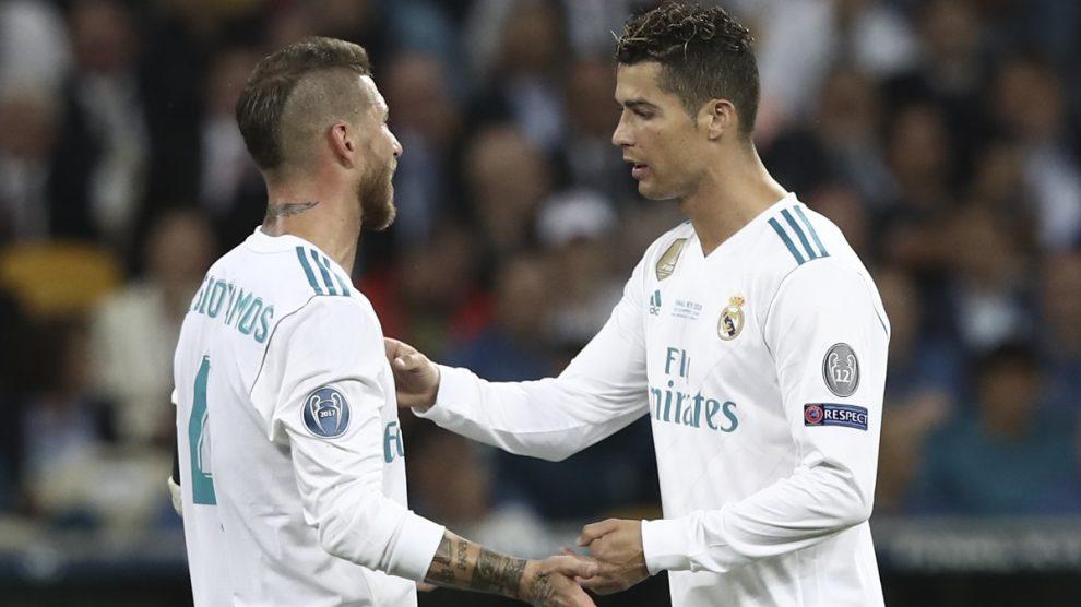 Cristiano y Sergio Ramos durante un partido del Real Madrid. (AFP)