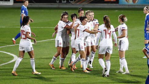 Las jugadoras de la selección española femenina celebran un gol. (@SeFutbolFem)