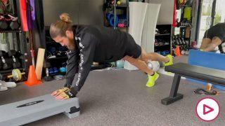 Así se machaca Sergio Ramos en el gimnasio de su casa.