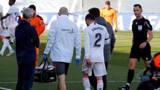 Dani Carvajal se retira lesionado. (EFE)